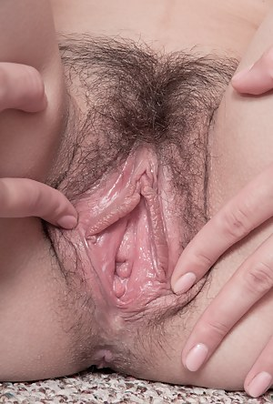 Sexy Teen Hairy Pussy Porn Pictures