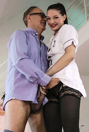 Sexy Teen Nurse Porn Pictures