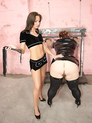 Sexy Teen BDSM Porn Pictures