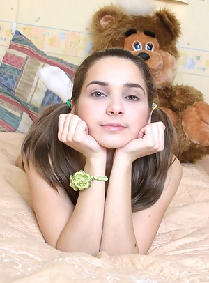 Sexy Teen Pigtails Porn Pictures